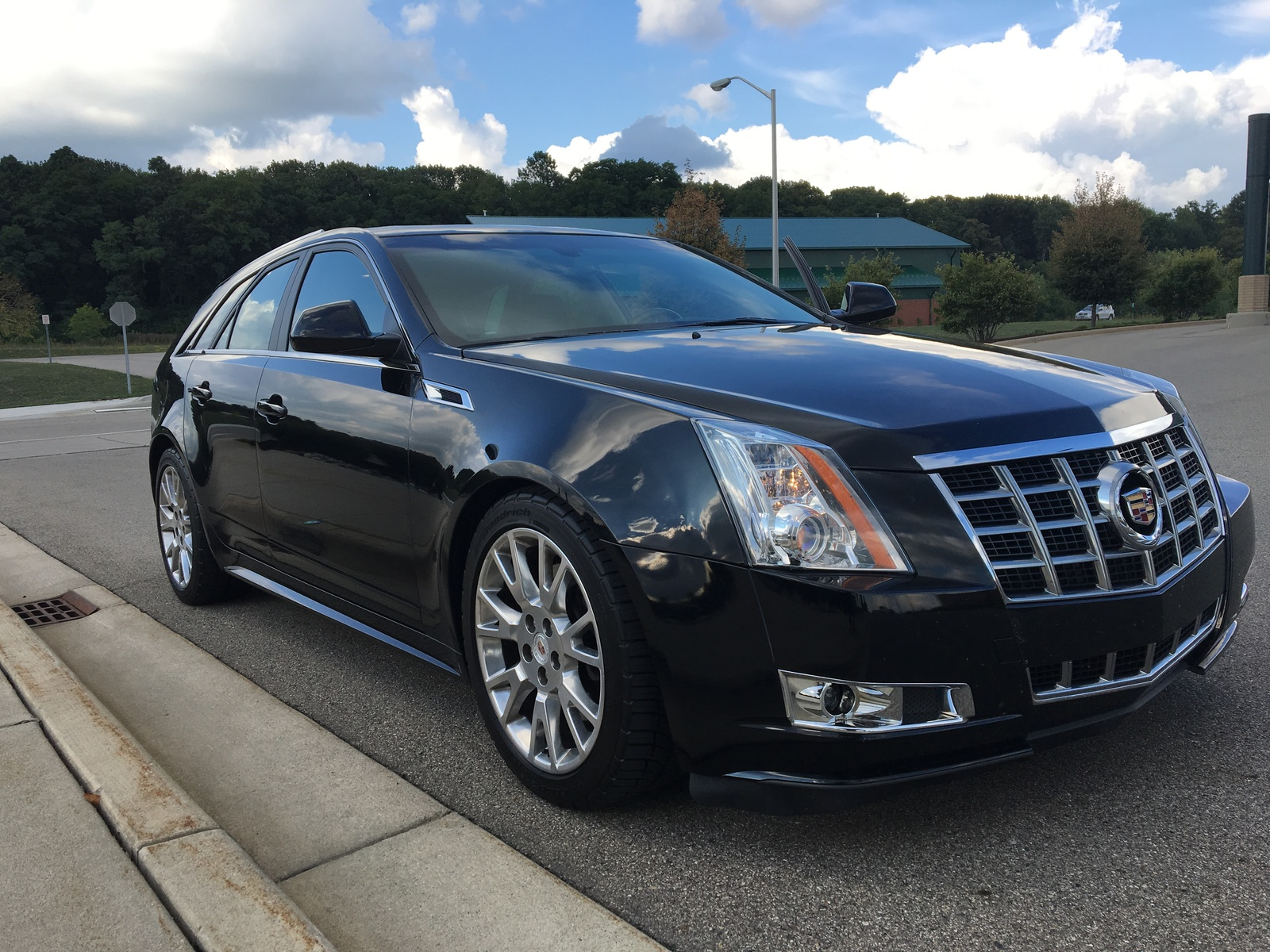 review xts cadillac reviews gallery autoevolution photo