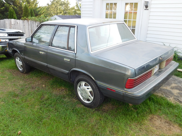 Picture of 1987 Plymouth Reliant