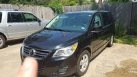 Picture of 2011 Volkswagen Routan SE w/ RSE and Nav, exterior, gallery_worthy