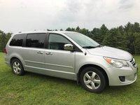 Picture of 2012 Volkswagen Routan SEL Premium, exterior, gallery_worthy