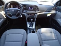 Picture of 2017 Hyundai Elantra SE Sedan FWD, interior, gallery_worthy