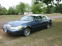 Picture of 2002 Lincoln Town Car Signature, exterior, gallery_worthy