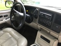 Picture of 2001 Chevrolet Suburban LT 1500 4WD, interior