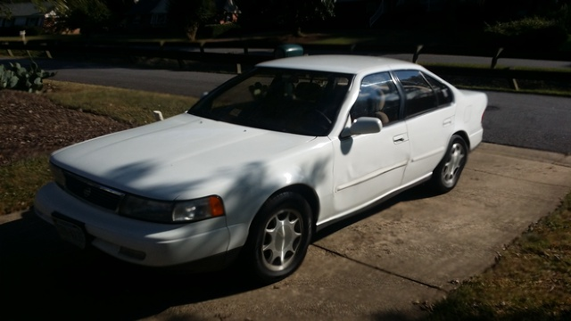 Picture of 1994 Nissan Maxima GXE
