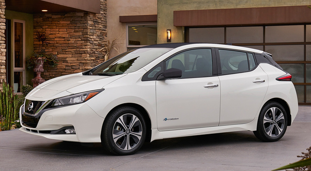 2018 Nissan Leaf, Front-quarter view, exterior, manufacturer, gallery_worthy