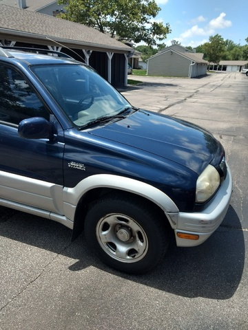 Picture of 2000 Suzuki Grand Vitara 4 Dr Limited SUV