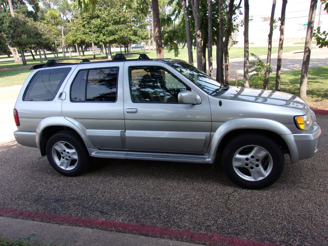 Picture of 2002 INFINITI QX4