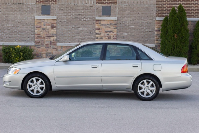 Picture of 2001 Toyota Avalon XLS