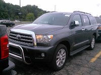 Picture of 2016 Toyota Sequoia Platinum 4WD, exterior, gallery_worthy