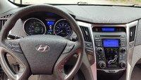 Picture of 2013 Hyundai Sonata Hybrid Base, interior, gallery_worthy