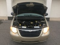 Picture of 2005 Chrysler Town & Country Base, engine, gallery_worthy