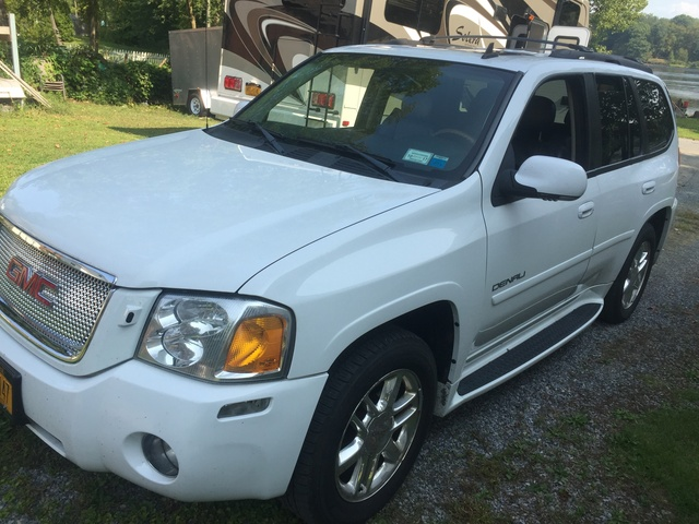 Picture of 2007 GMC Envoy Denali 4 Dr SUV 4WD