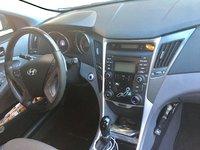 Picture of 2013 Hyundai Sonata SE, interior, gallery_worthy