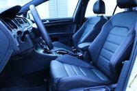 Picture of 2017 Volkswagen GTI SE, interior, gallery_worthy