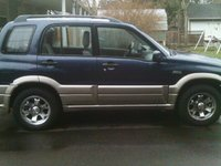 2001 Suzuki Grand Vitara Picture Gallery