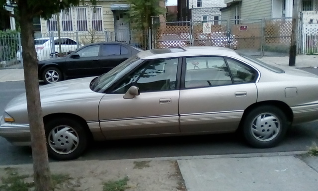 Picture of 1994 Pontiac Bonneville 4 Dr SE Sedan