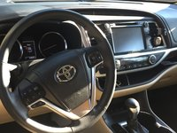 Picture of 2015 Toyota Highlander Hybrid Limited Platinum, interior, gallery_worthy