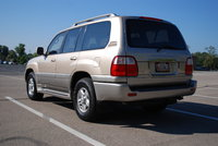 2000 Lexus LX 470 Picture Gallery