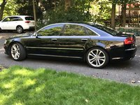 2009 Audi S8 Picture Gallery