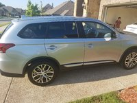 Picture of 2017 Mitsubishi Outlander SE, exterior, gallery_worthy