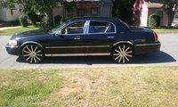 Picture of 2005 Lincoln Town Car Signature, exterior, gallery_worthy
