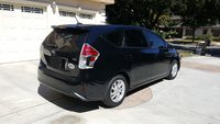 Picture of 2017 Toyota Prius v Three, exterior, gallery_worthy