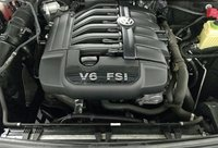 Picture of 2013 Volkswagen Touareg VR6 Sport w/ Nav, engine, gallery_worthy