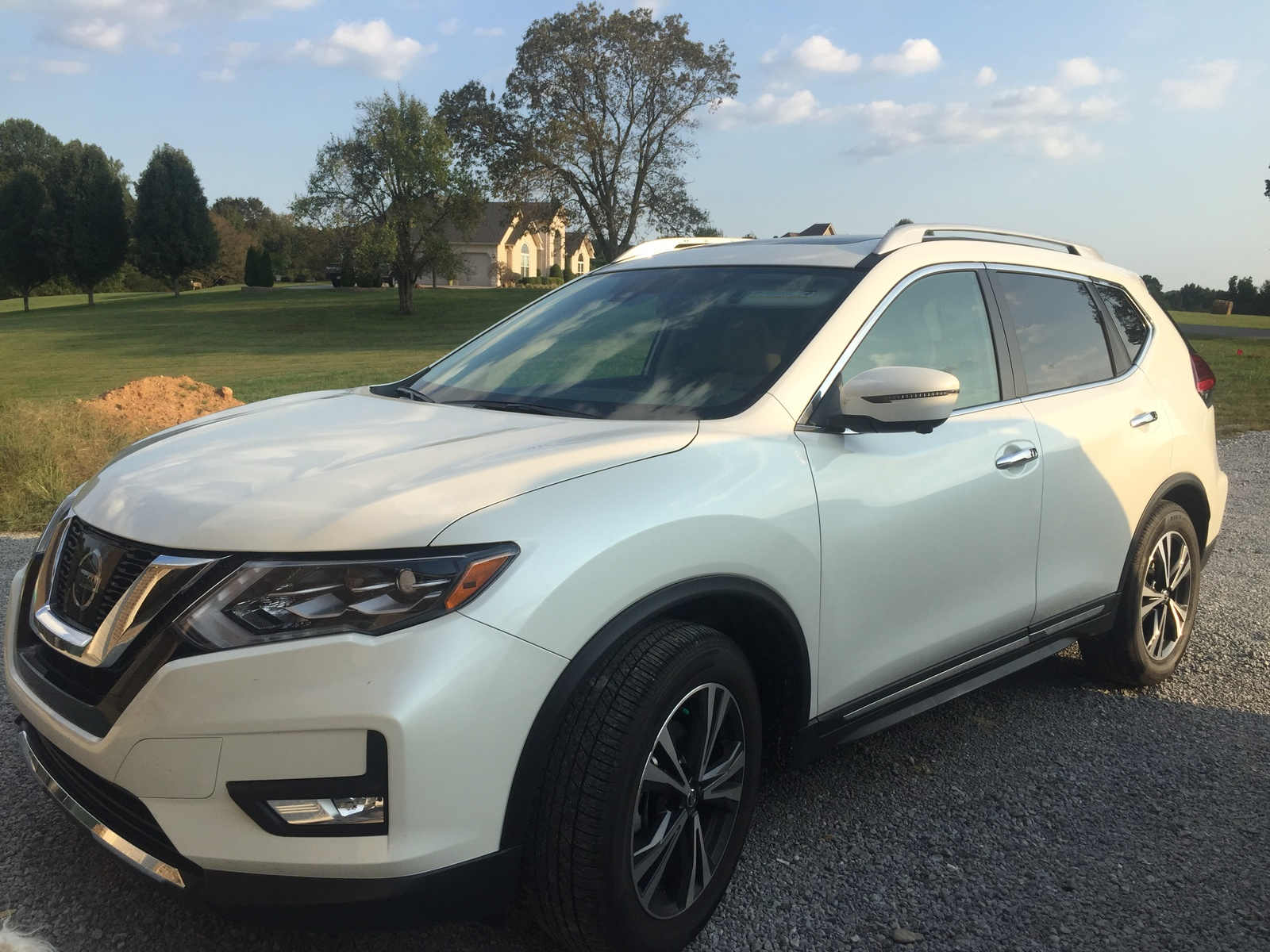 Picture of 2017 nissan rogue sl fwd