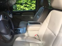 Picture of 2010 GMC Yukon XL Denali 4WD, interior, gallery_worthy