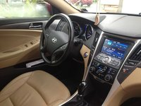 Picture of 2013 Hyundai Sonata Hybrid Limited, interior, gallery_worthy