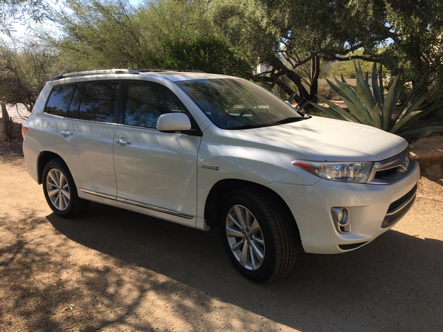 Picture of 2011 Toyota Highlander Hybrid Limited