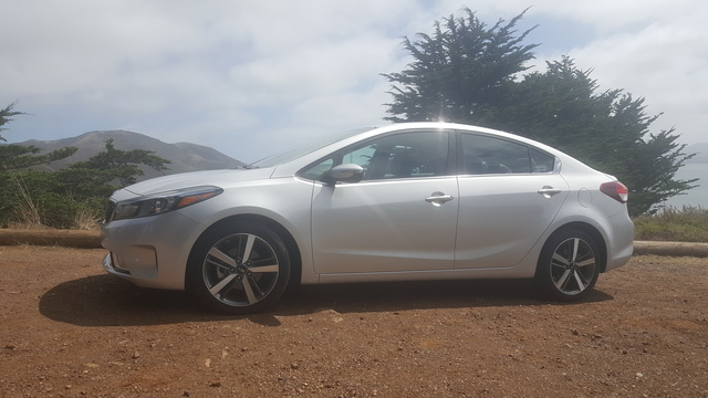 Picture of 2017 Kia Forte, gallery_worthy