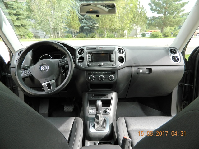 Picture of 2015 Volkswagen Tiguan SEL 4Motion, interior, gallery_worthy