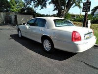 Picture of 2005 Lincoln Town Car Executive L, exterior, gallery_worthy