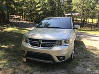 Foto de un 2011 Dodge Journey Lux FWD, exterior, gallery_worthy