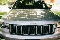 Picture of 2017 Jeep Grand Cherokee Laredo 4WD, exterior, gallery_worthy