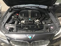Picture of 2013 BMW 5 Series 550i Sedan RWD, engine, gallery_worthy