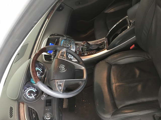 Picture of 2010 Buick LaCrosse CXL, interior, gallery_worthy