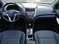 Picture of 2013 Hyundai Accent SE Hatchback, interior, gallery_worthy