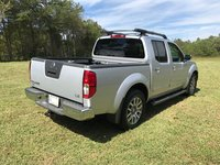 Picture of 2010 Nissan Frontier LE Crew Cab, exterior, gallery_worthy