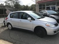 Picture of 2009 Nissan Versa SE 1.8L FE+ Hatchback, exterior, gallery_worthy