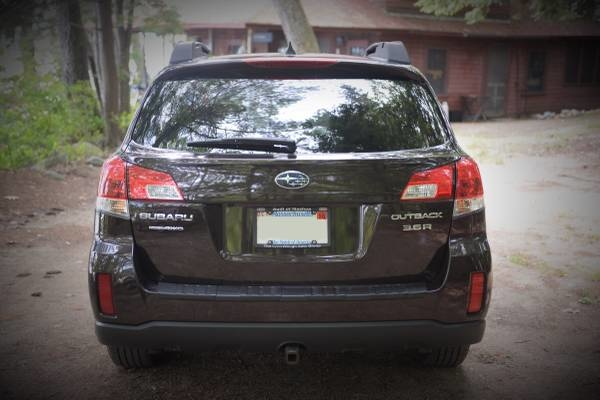 Picture of 2013 Subaru Outback 3.6R Limited