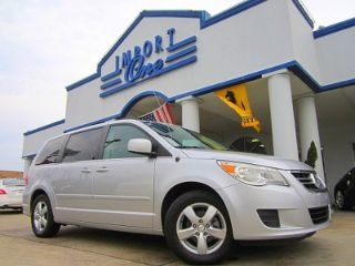 Picture of 2011 Volkswagen Routan SEL