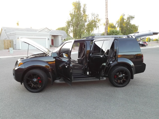 Picture of 2011 Nissan Pathfinder SV