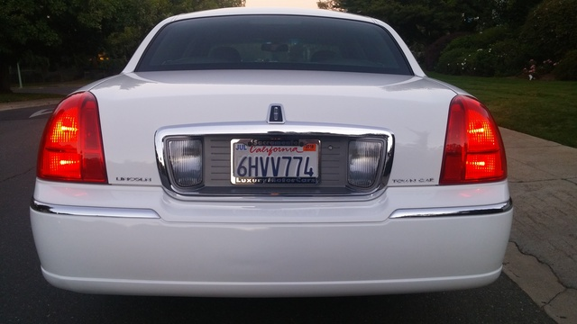 Picture of 2009 Lincoln Town Car Signature Limited