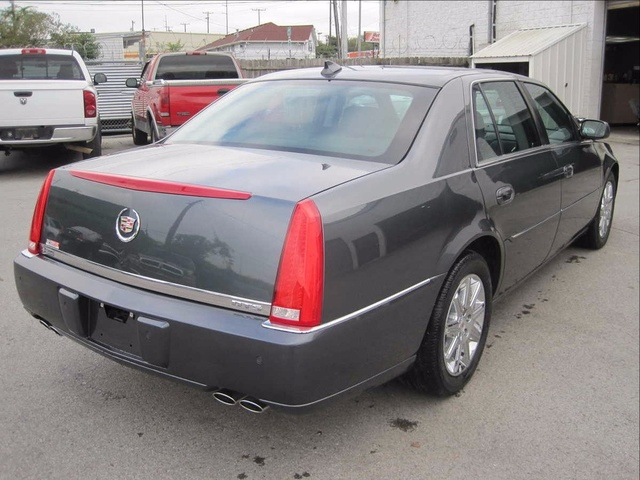 Picture of 2011 Cadillac DTS Luxury