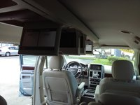Picture of 2009 Chrysler Town & Country Limited, interior, gallery_worthy