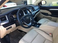 Picture of 2014 Toyota Highlander LE, interior, gallery_worthy