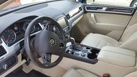 Picture of 2016 Volkswagen Touareg VR6 Lux, interior, gallery_worthy