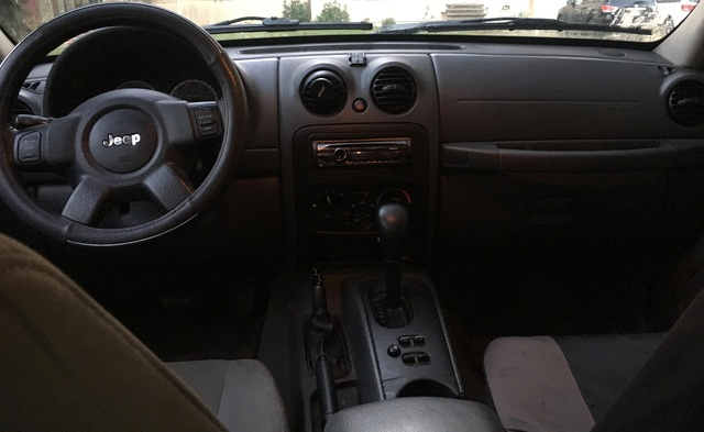 Jeep Grand Cherokee Used >> 2007 Jeep Liberty - Interior Pictures - CarGurus